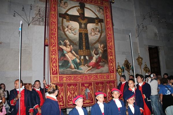 Processione Santa Croce - www.luccacitta.net