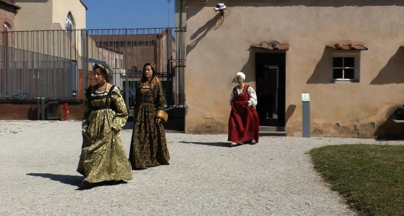 Le riprese a Villa Guinigi