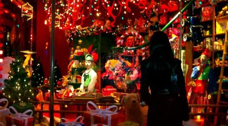 Regali Di Natale Da 40 Euro.Regali Di Natale 378 Euro A Famiglia Secondo Confcommercio